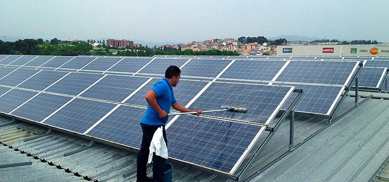 Limpieza de Placas Solares en Barcelona y Granollers